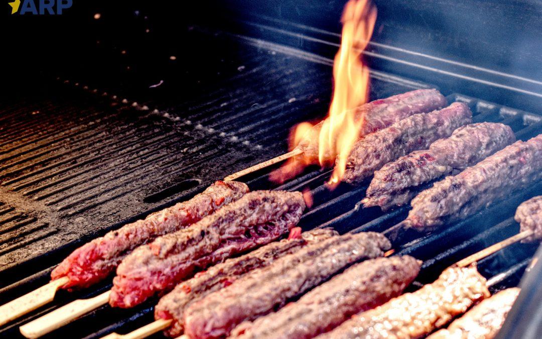 Przedsiębiorca z Turcji ożywił żorski Ryneczek i poczęstował mieszkańców adana kebabem