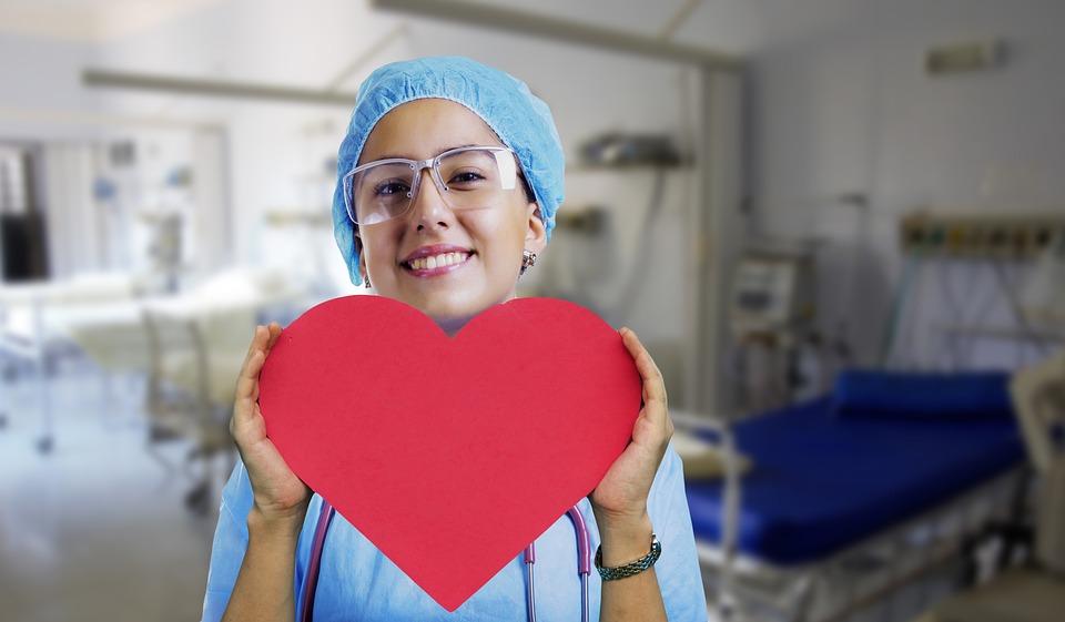 Pielęgniarka / Pielęgniarz – nowa oferta pracy